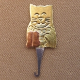Kitty Needle Threader from Puffin & Company